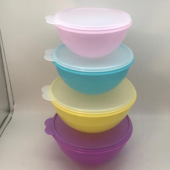 Tupperware  Wonderlier Bowl Set of 4
